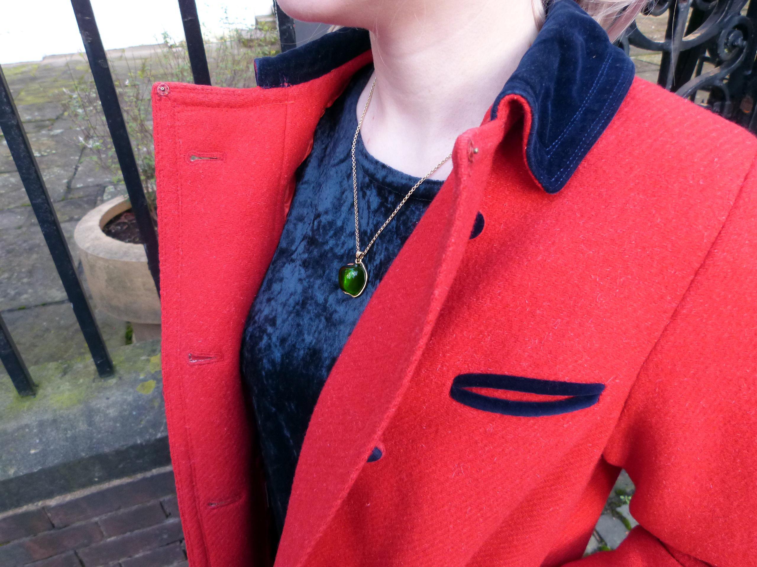 red collar