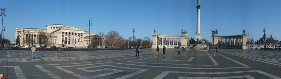 Panorama Heroes Square